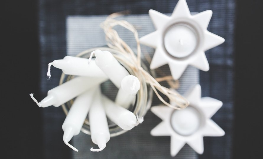 white-home-decoration-candles-large